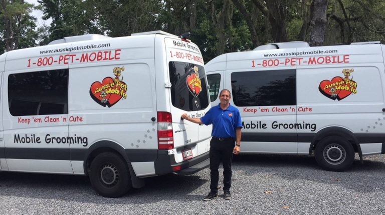 Mobile Grooming Vans With Owner